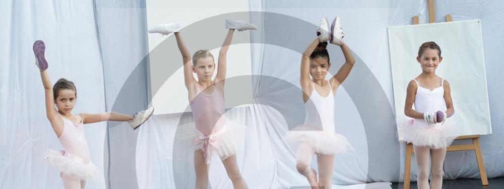 Photo de petites ballerines sur scène de l'entre 2 festival