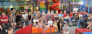 Visuel d'enfants à la fête de fin d'année de Pirouettes en ribambelle