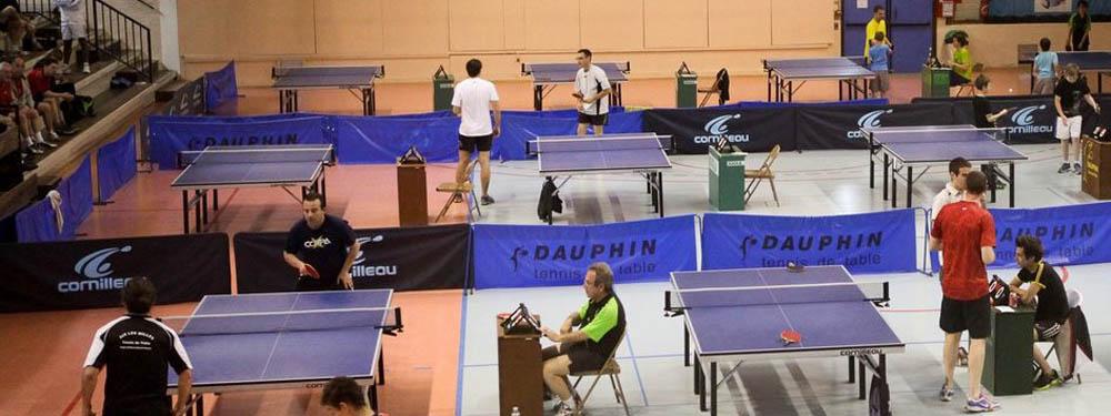 Photo d'un tournoi de tennis de table à la salle polyvalente
