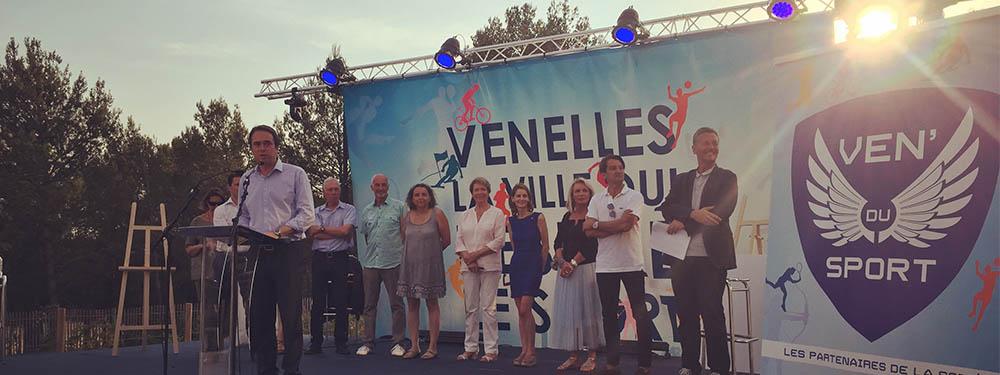 Photo du maire, de la municipalité sur la scène des Ven'ailes du sport