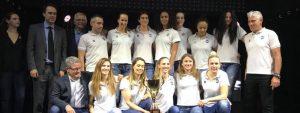 Photo de l'équipe du PAVVB avec le trophée remporté lors du trophée Sports Santé