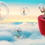 Illustration montrant une famille sur un sofa au dessus des nuages en train de jouer avec des bulles de savon représentant les artistes de la saison culturelle 2018