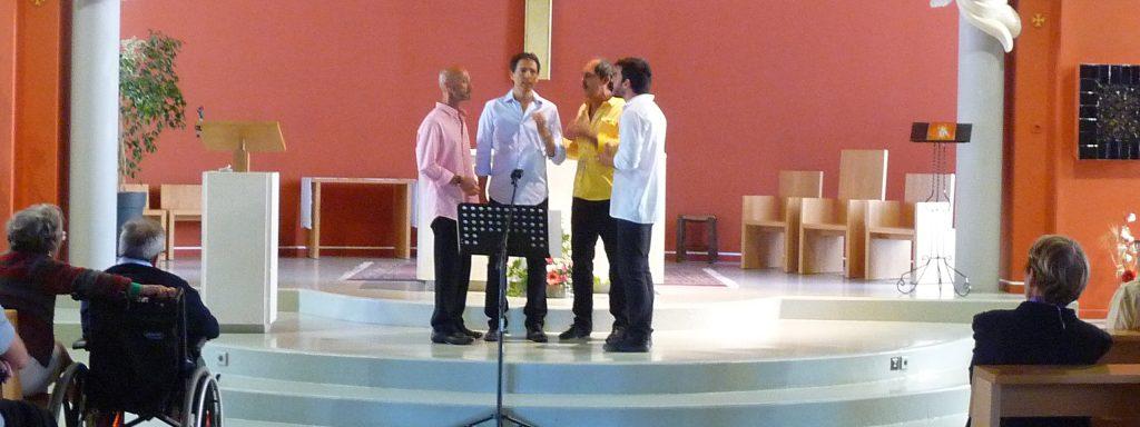Photo du groupe Lume chantant dans l'église de Venelles