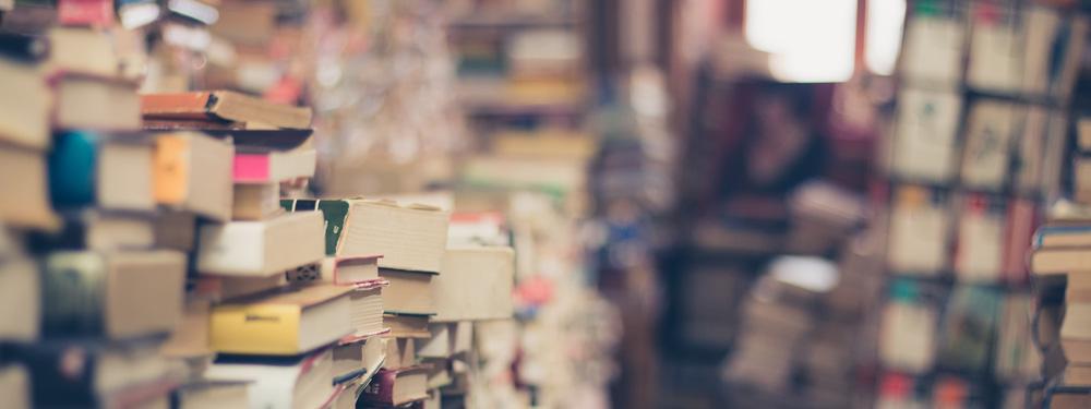 Photo de piles de livres