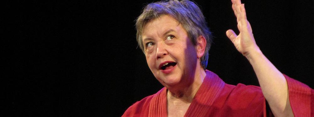 Photo de Jeannie Lefebvre sur scène