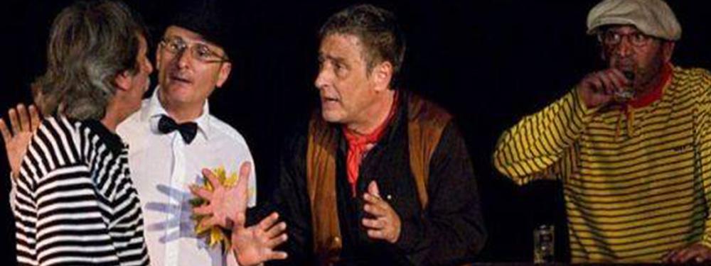 Photo des acteurs de la pièce de théatre sur scène
