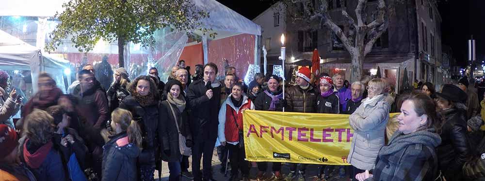 Photo de l'equipe du Téléthon, des élus de la ville et du speey club provence pour le lancement de la flamme du Téléthon 2017