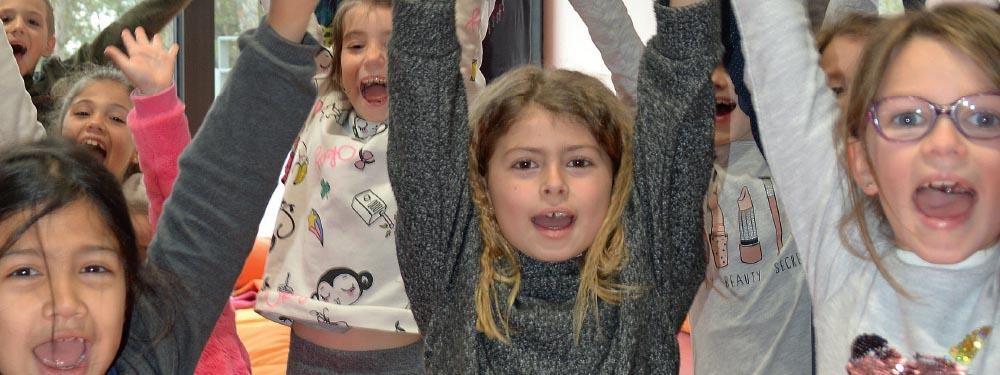 Photo d'enfants ravis d'être dans le nouvel ALSH