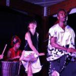 Photo de l'association Africa Foula sur scène en train de danser
