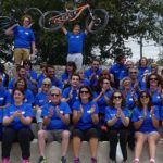 Photo de l'équipe du Triathlon de l'espoir ravie de cette journée
