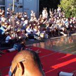 Photo de l'un des spectacles du Festival l'Entre 2 de l'entrepôt montrant des danseurs devant leur public
