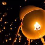 Photos d'un lâcher de lanternes volantes