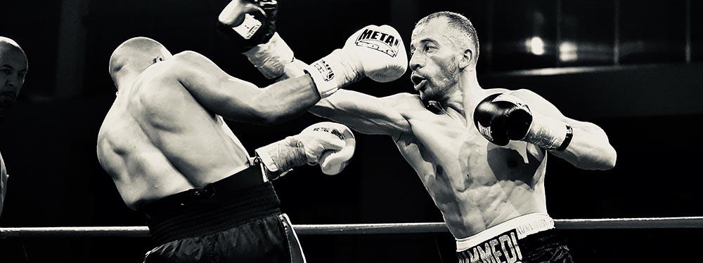 Photo montrant un boxeur du NAPA en pleine action