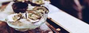Photo de fruits de mer posés sur une comptoir