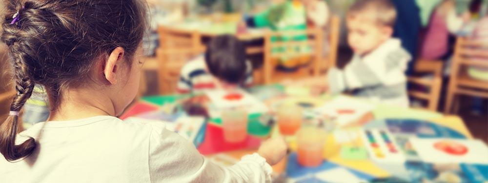Photo d'un atelier de peinture pour enfants