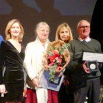 photo montrant 8 personnes dont les habitants ayant reçu la médaille de la ville