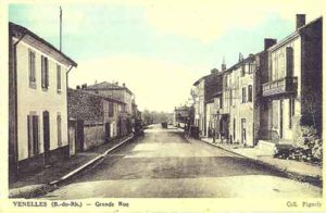 Photo de la grand rue de Venelles datant des années 1920