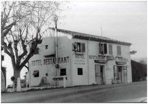 Photo de l'Auberge restaurant le Rastelier prise dans les années 50