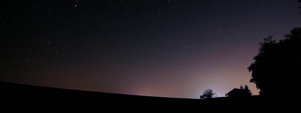Photo d'une ciel rempli d'étoiles