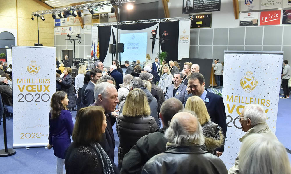 Photo de l'entrée des Venellois lors de la cérémonie des voeux 2020