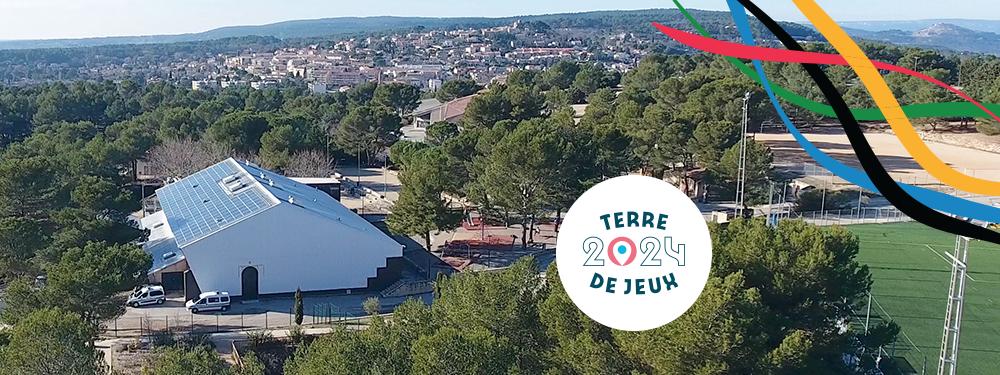 Photo du Parc des sports avec le logo Terre de jeux 2024