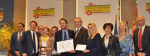 """Photo des villes de Provence recevant la 3e Fleur récompense du label """"Ville et villages fleuris"""""""