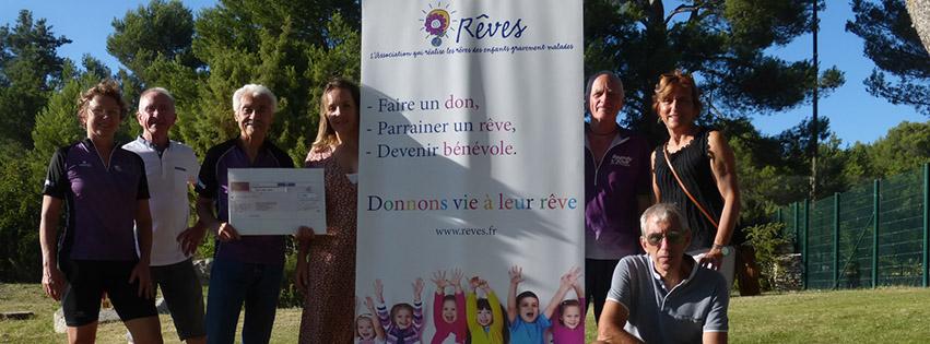 Photo de la remise de chèque du Speedy Club de Provence pour l'association REVES