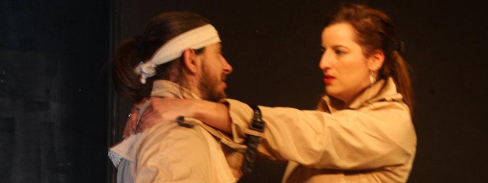 Photo du spectacle ma femme me trompe avec moi-même montrant 2 acteurs sur scène