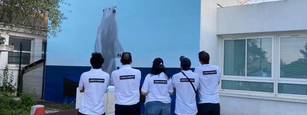 """Photo de l'oeuvre de street Art """"L'ours et la barque"""" de Romano et le collectif Le mouvement"""