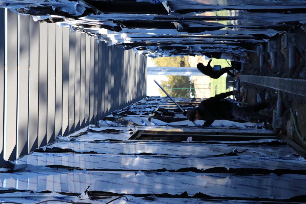 Photo des travaux en cours au Parc des sports sur les vestiaires de l'USV