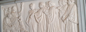 Photo des bas-reliefs signé par Chabaud inscrits au titre de monuments historiques