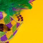 Photo d'un masque de carnaval aux couleurs du Brésil