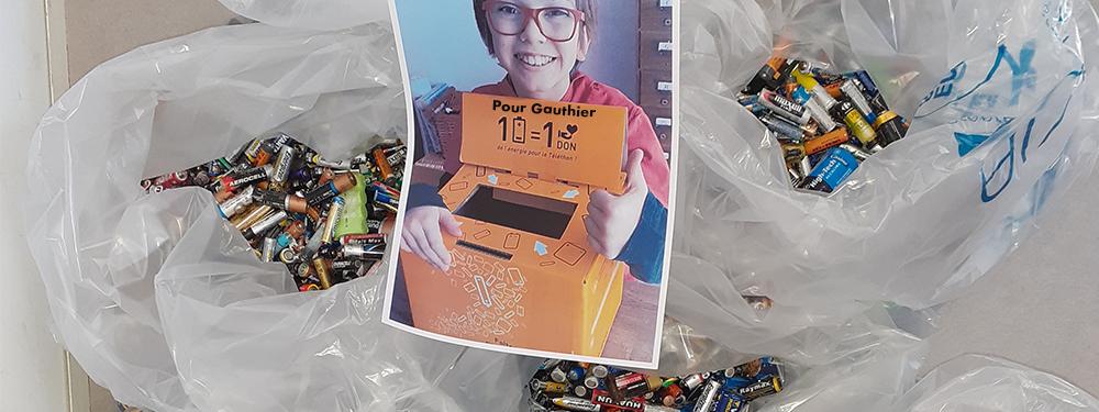 Photo de la collecte de pile en faveur de l'association 1 pile = 1 don pour Gauthier