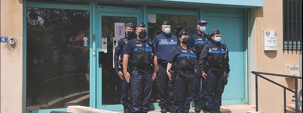 Photo de l'équipe de la police municipale lors de l'hommage à Eric Masson
