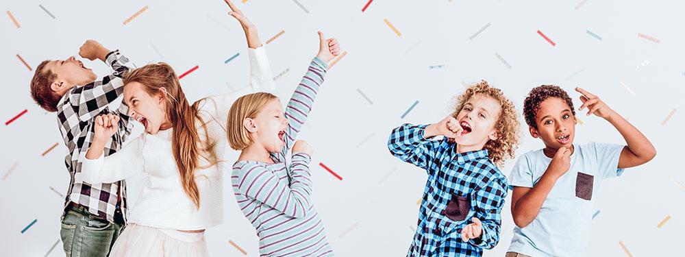 Photo montrant des enfants en train de chanter