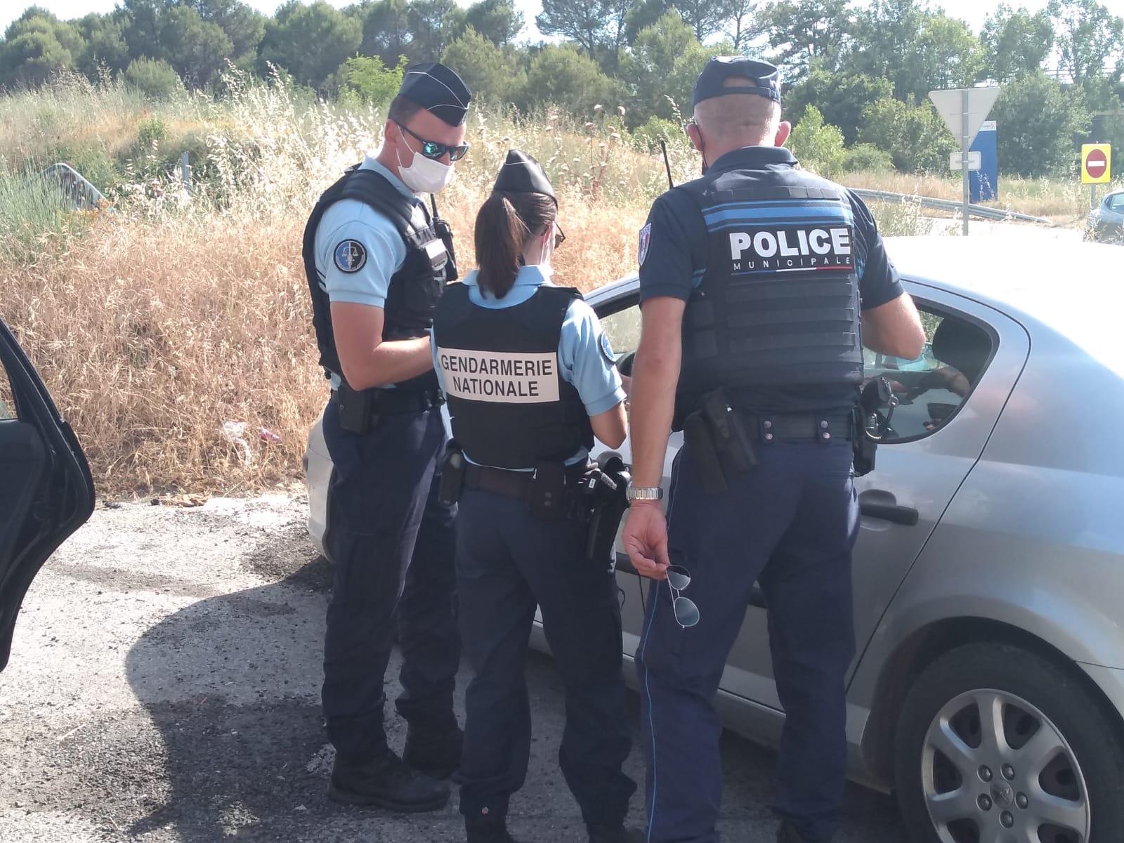 Photo montrant la police et la gendarmerie lors de contrôle de la police du quotidien
