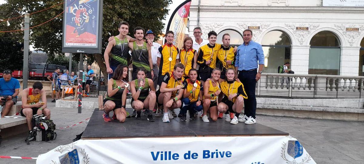 Photo de l'ACA au championnat de France sur le podium