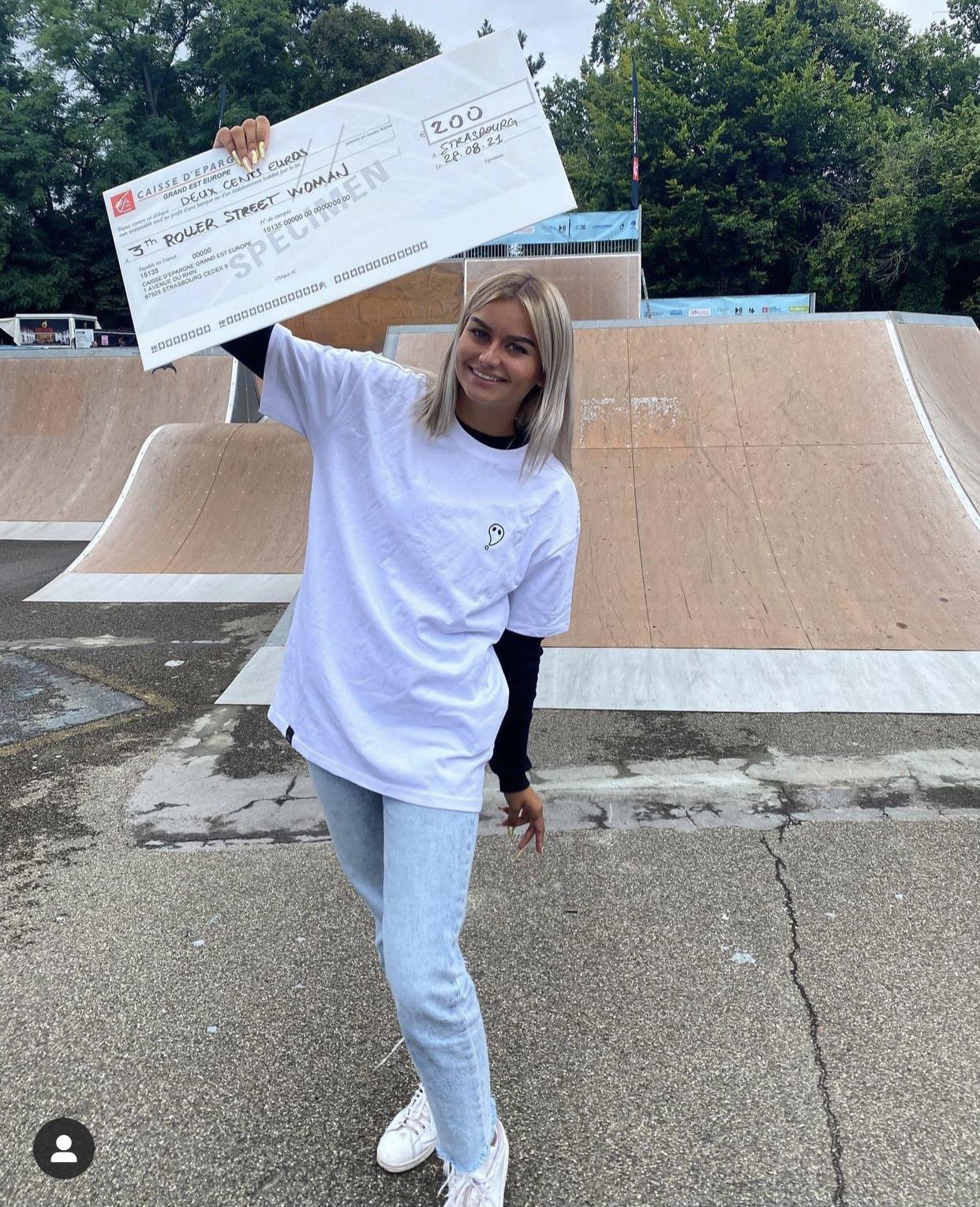Photo d'Armelle Tisler montrant son gain lors du NL Contest
