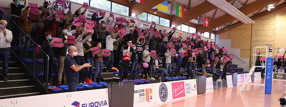 Photo public du PAVVB en rose pour octobre rose