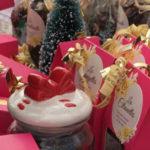 Photo de confiseries sur un stand au marché de Noel de Venelles