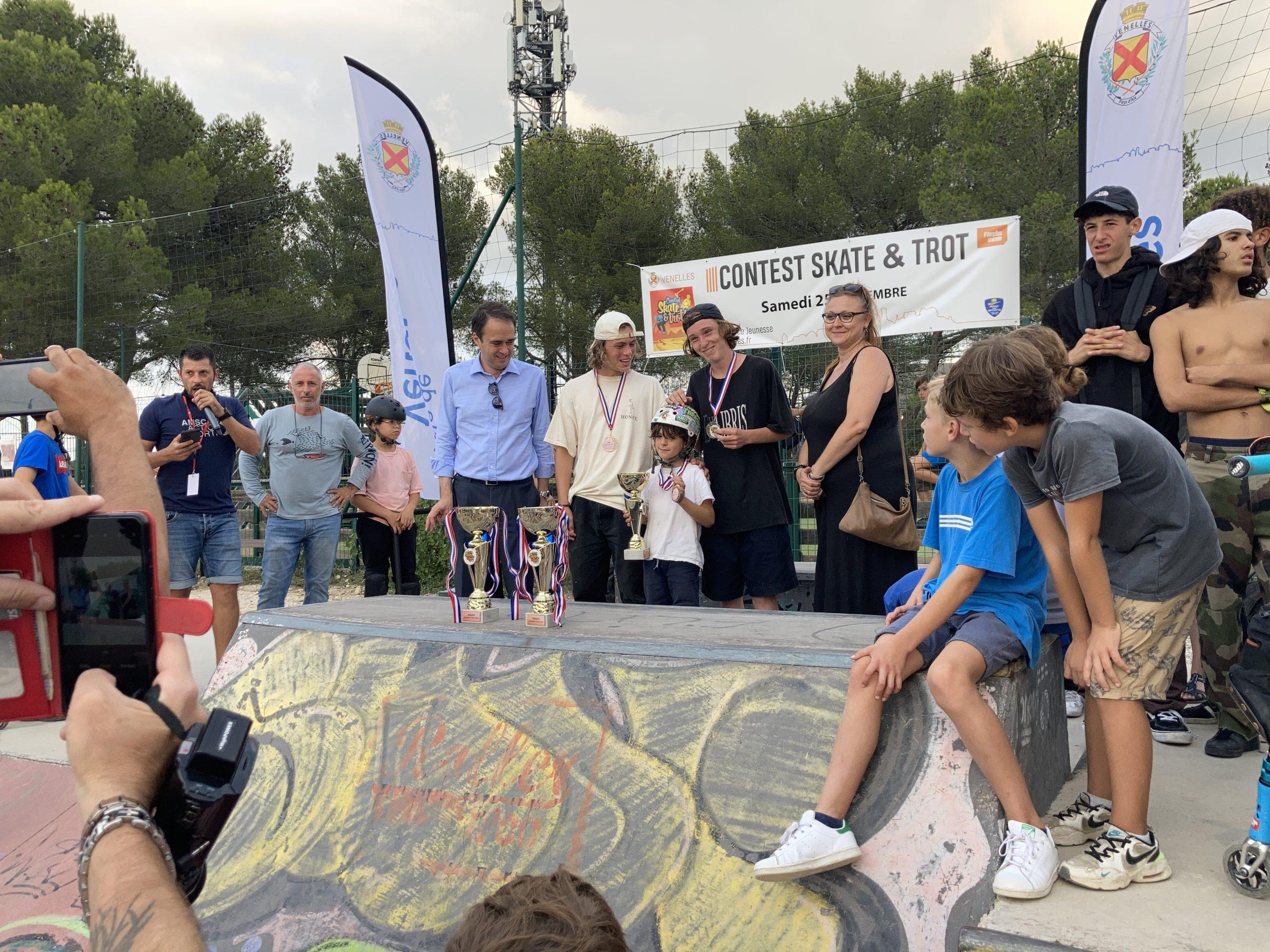 """Photo de la remise des prix du Contest """"Skate & Trot"""""""