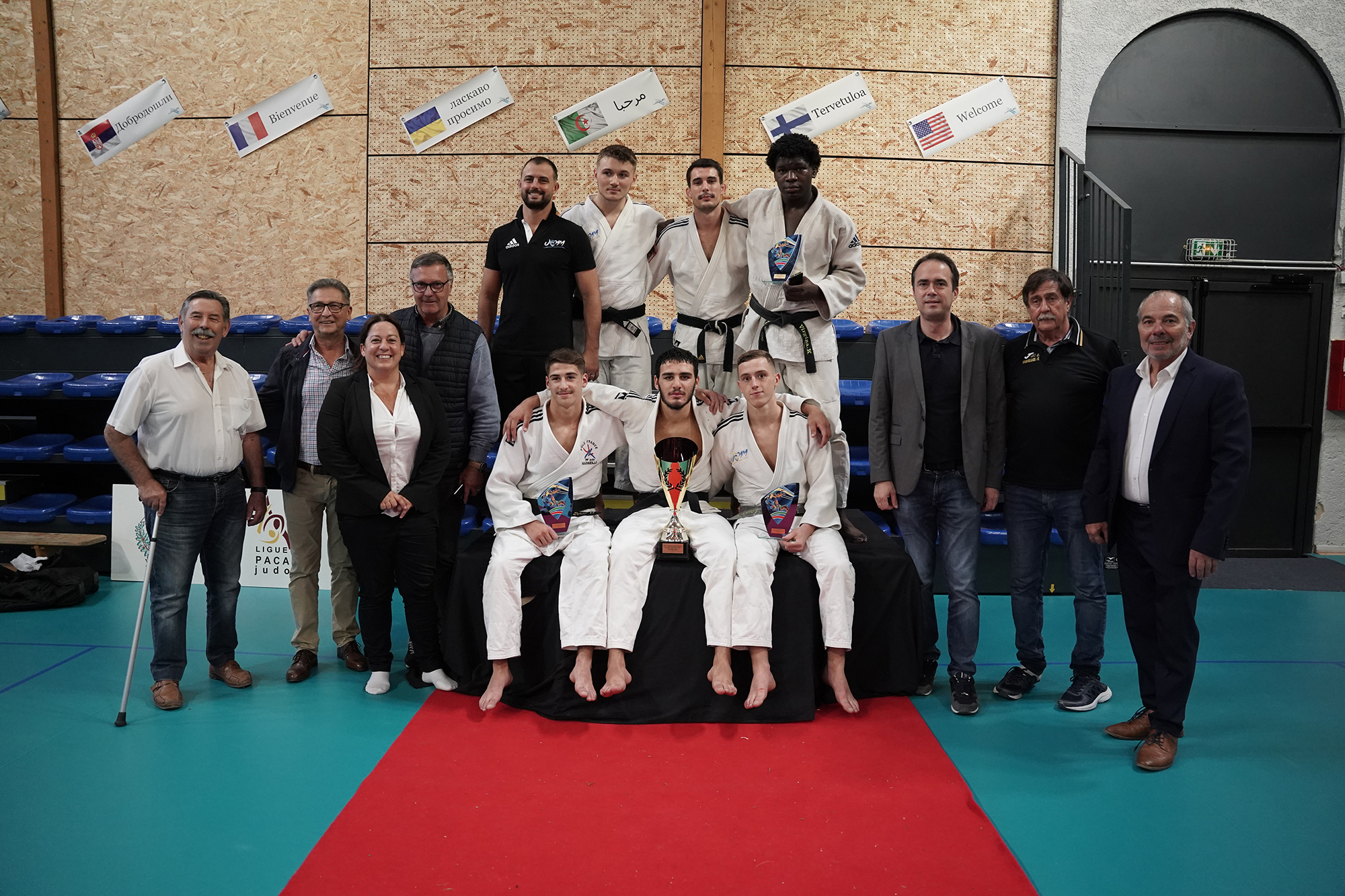 Photo des gagnants du Tournoi international de judo